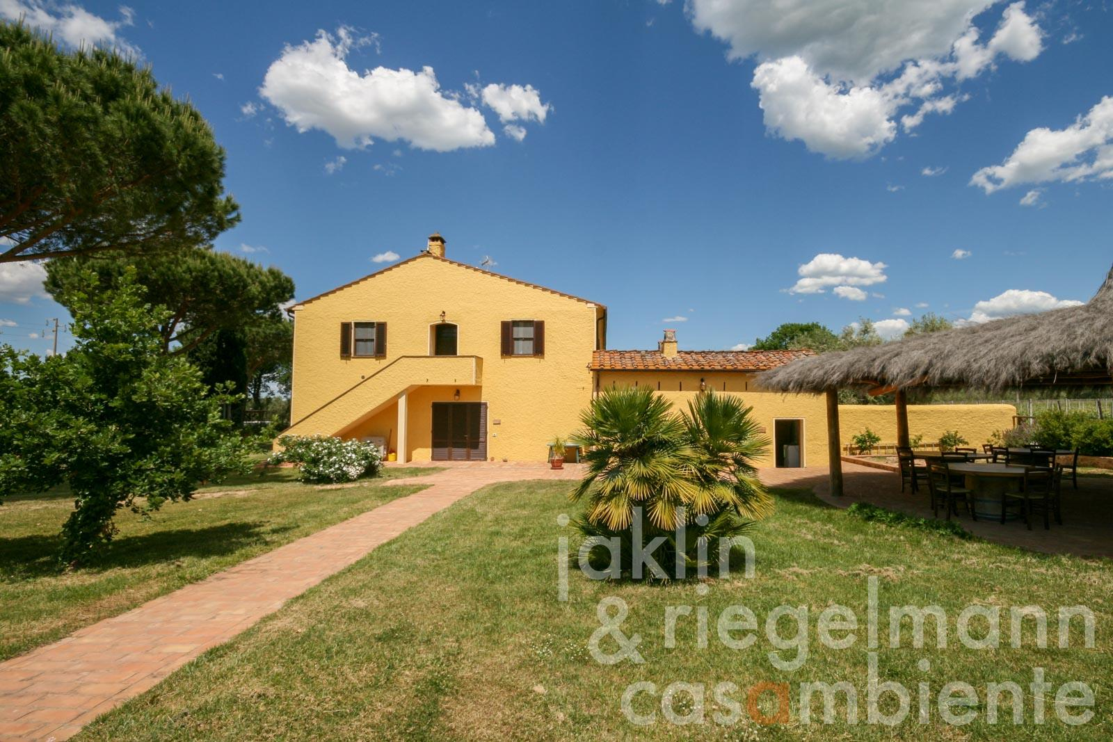Country house in the DOC Bolgheri wine-growing area with vineyards, olive grove and agriturismo
