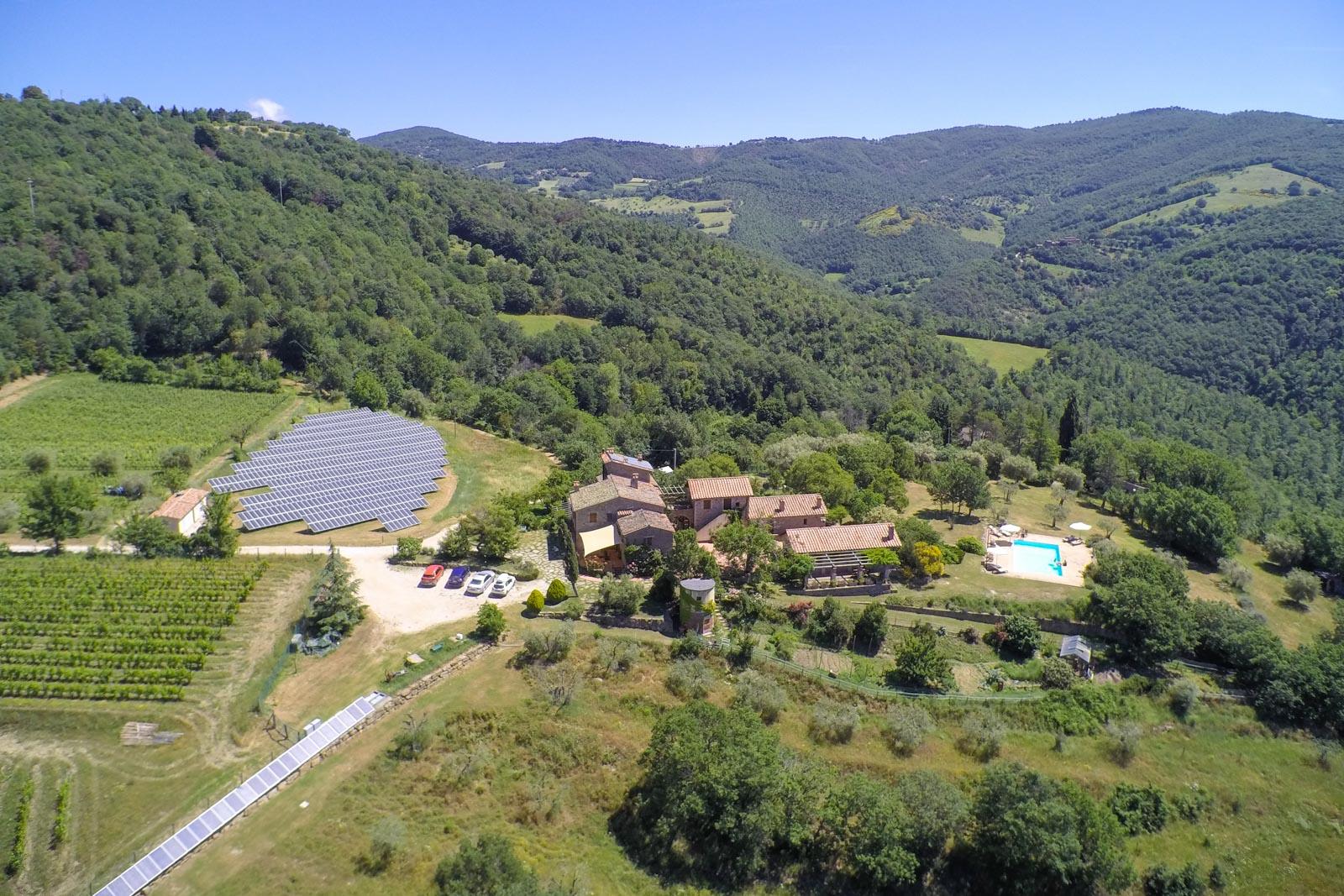 Landwirtschaftliches Bio-Anwesen geeignet als Agriturismo nahe dem Lago Trasimeno