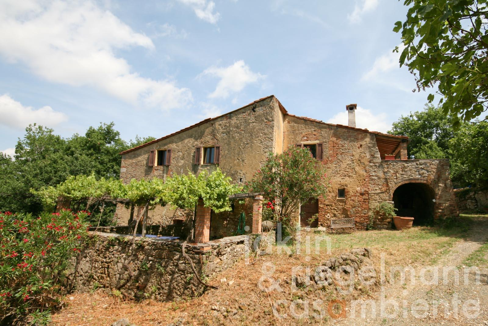 The Tuscan country house to restore with two annexe buildings close to Volterra