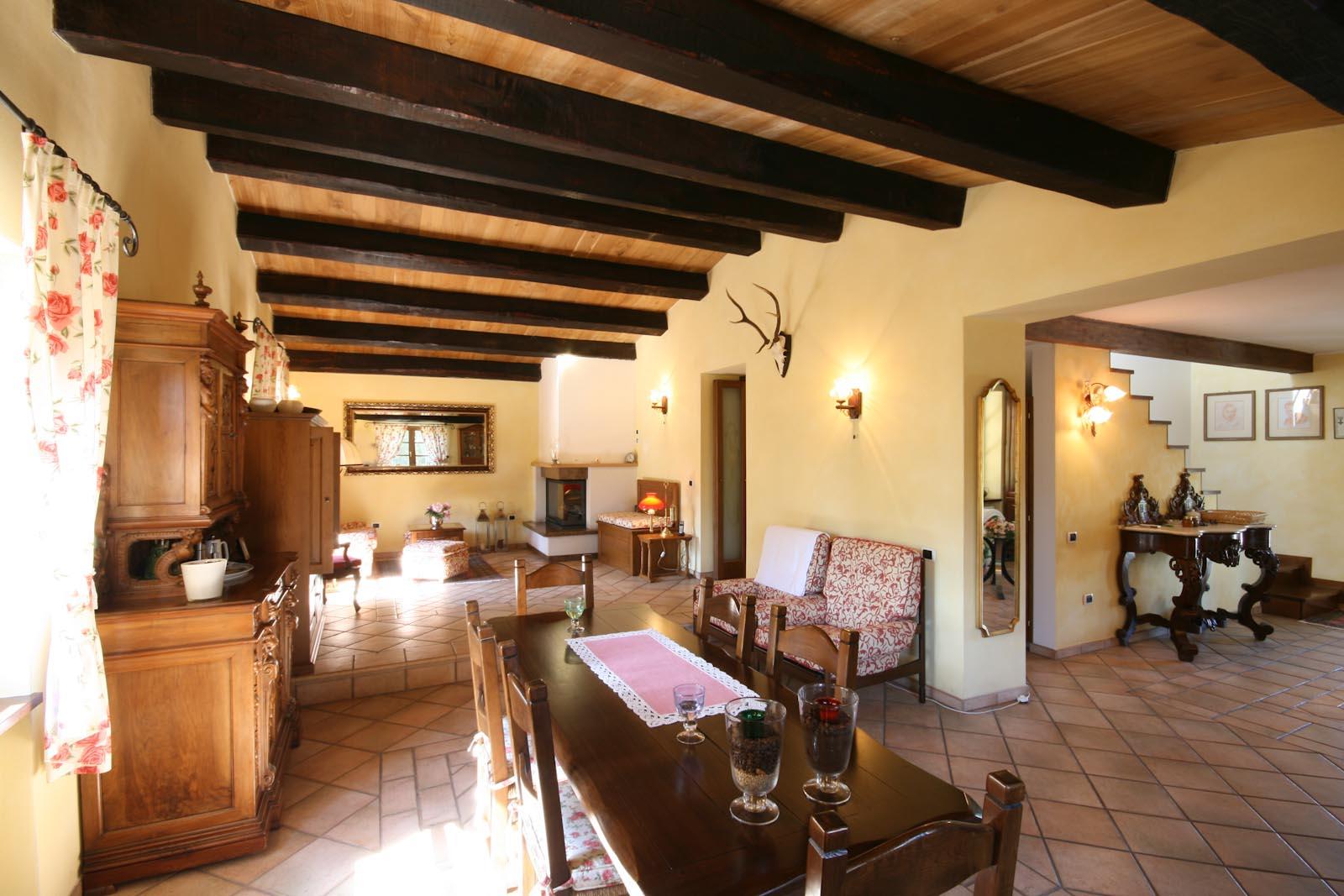 Villa in vendita in italia umbria terni baschi casa di for Il miglior piano casa in vendita