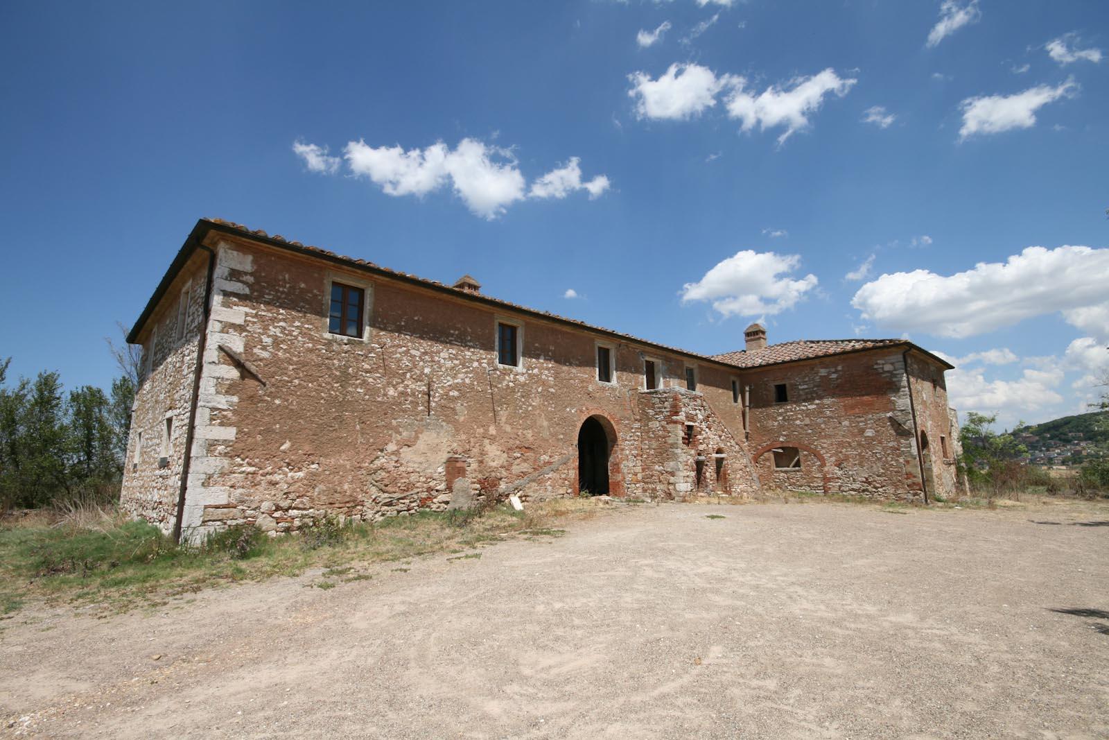Casolare in vendita in italia toscana siena case di campagna da ristrutturare nella crete - Ristrutturare casale di campagna ...
