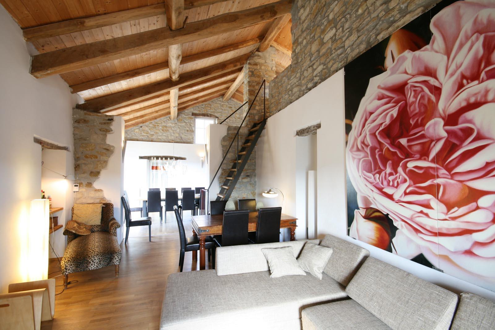 stadthaus kaufen verkaufen in italien piemont asti restauriertes dorfhaus zu verkaufen mit. Black Bedroom Furniture Sets. Home Design Ideas
