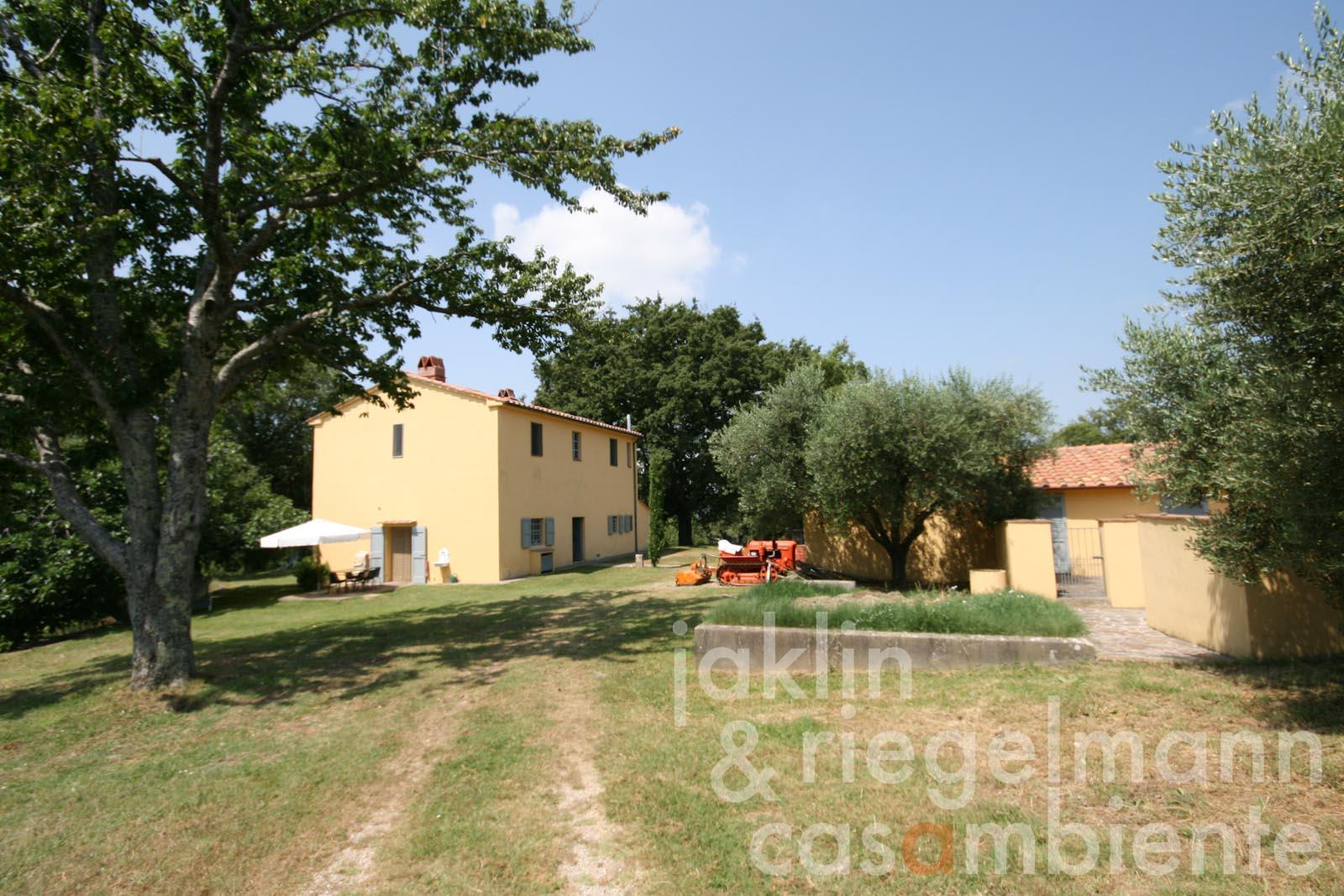 The Tuscan farmhouse for sale with annexe in a private location close to Massa Marittima
