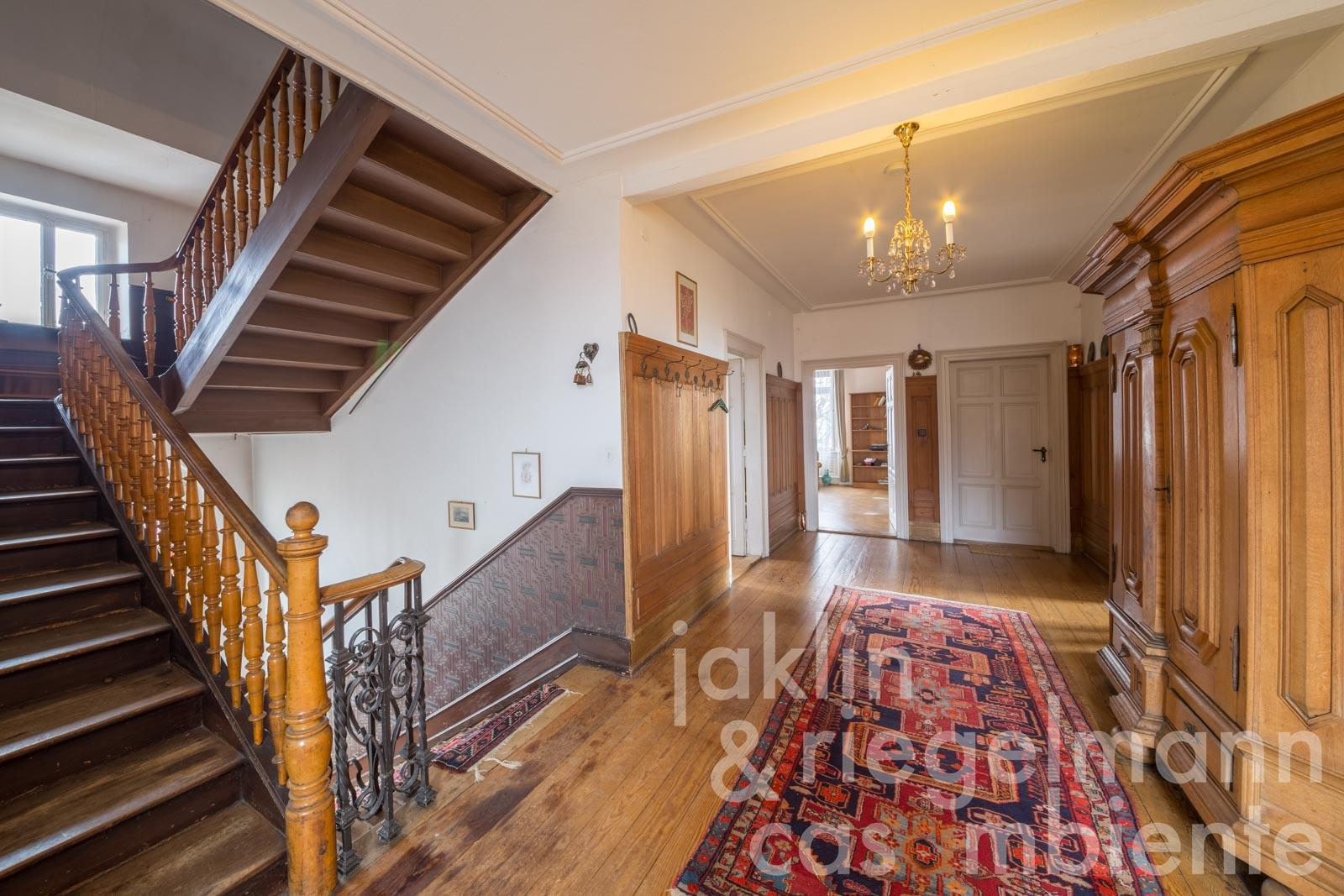 The historic villa for sale with annexes and garden on the German Wine Route-Middle Haardt