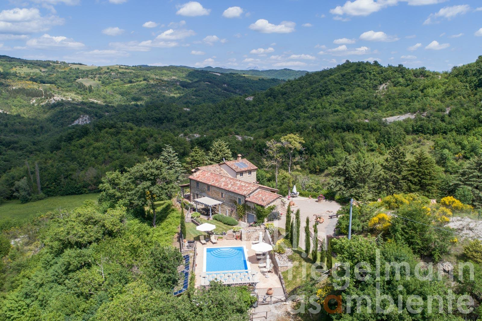 Stunning estate with pool in fantastic solitary location close to Umbertide