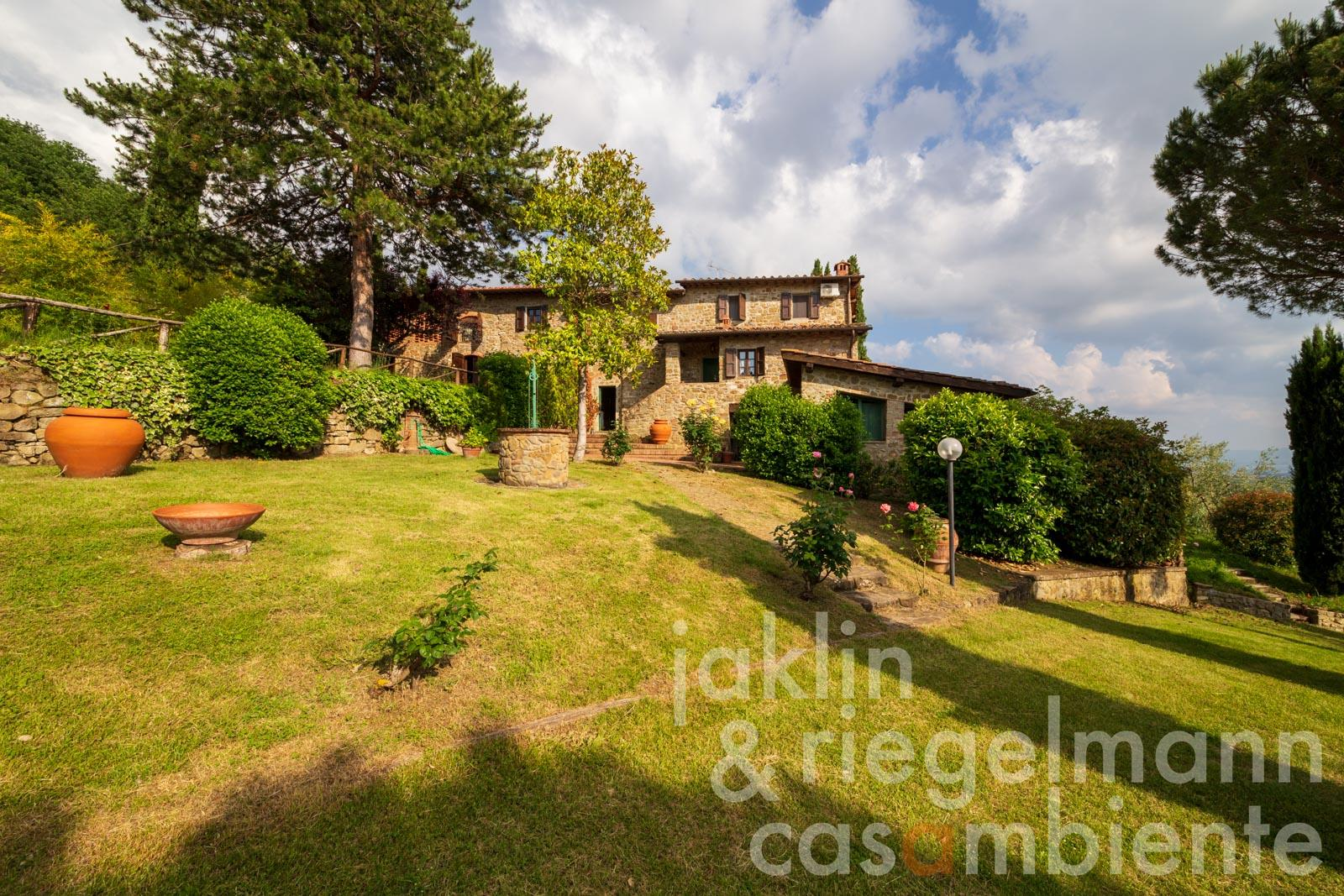 Rustico with pool in panoramic position near a village south of Florence