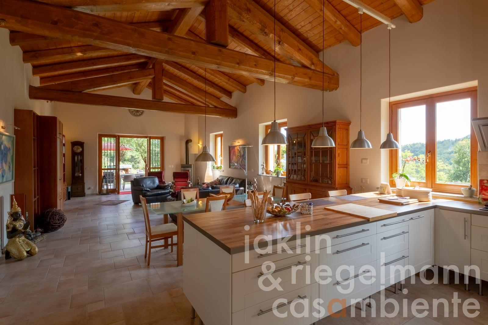 Peacefully located newly built house for sale south of Alba in the Langhe