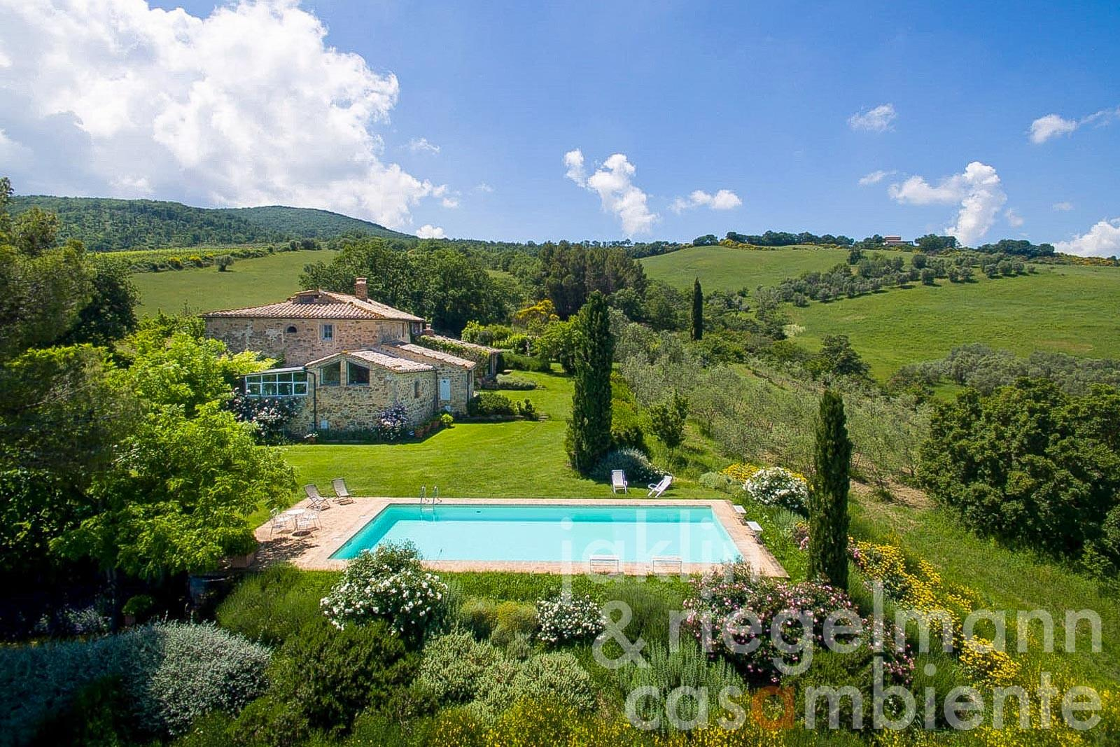 Traditional stone house with pool and olive grove in the heart of Val d'Orcia in Tuscany