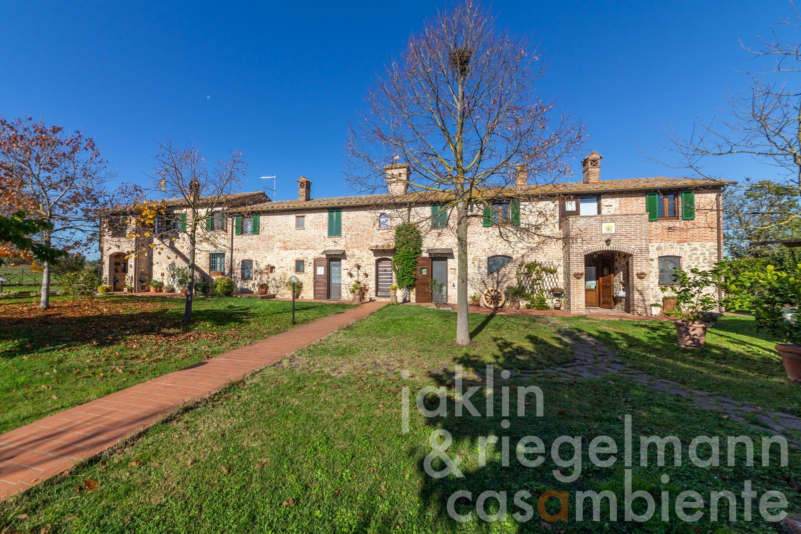 Restored farmhouse with annex building, pool and large garage situated in the gentle hills around Lake Trasimeno in Umbria