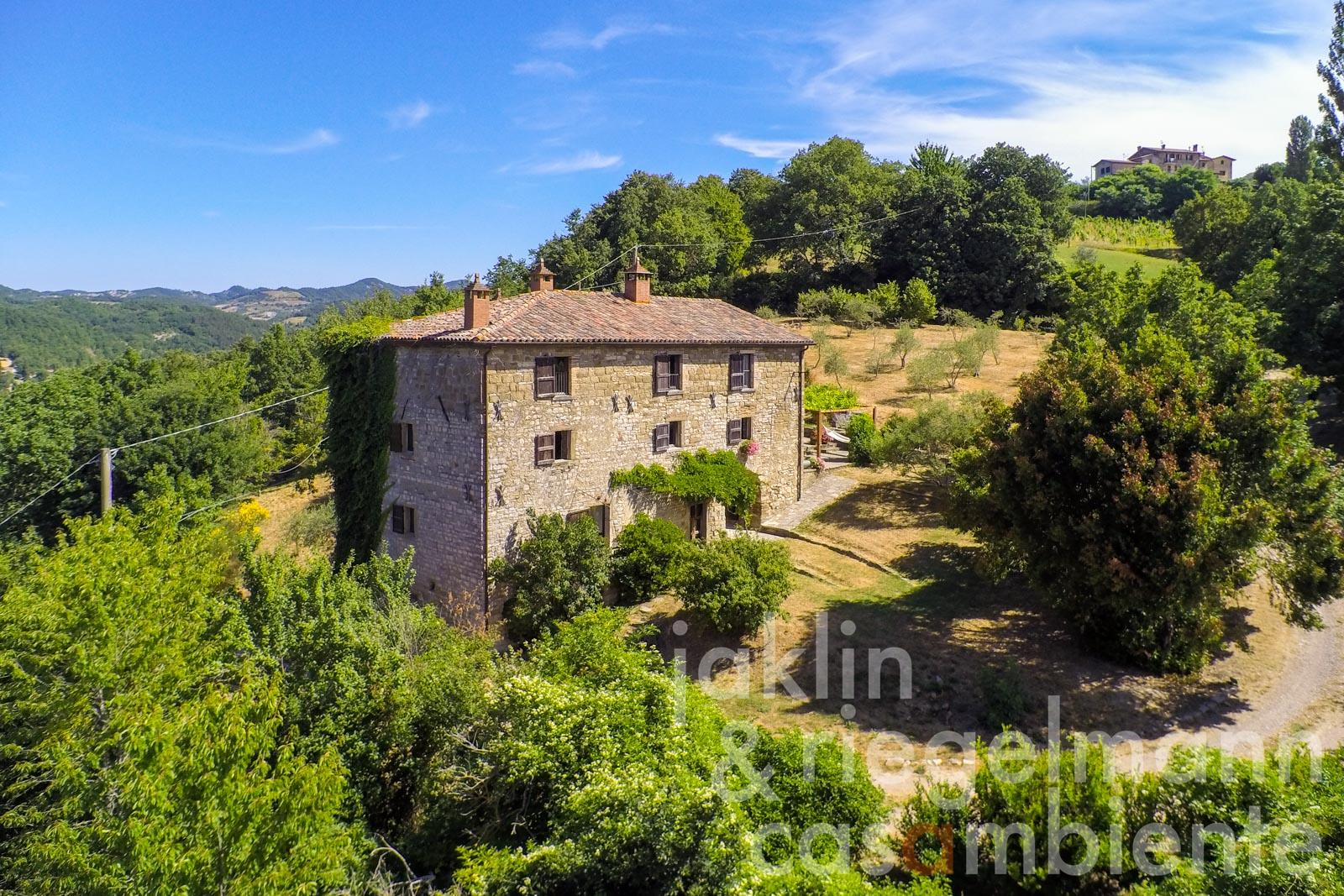 Traditionally restored Umbrian farmhouse near the village of Pietralunga