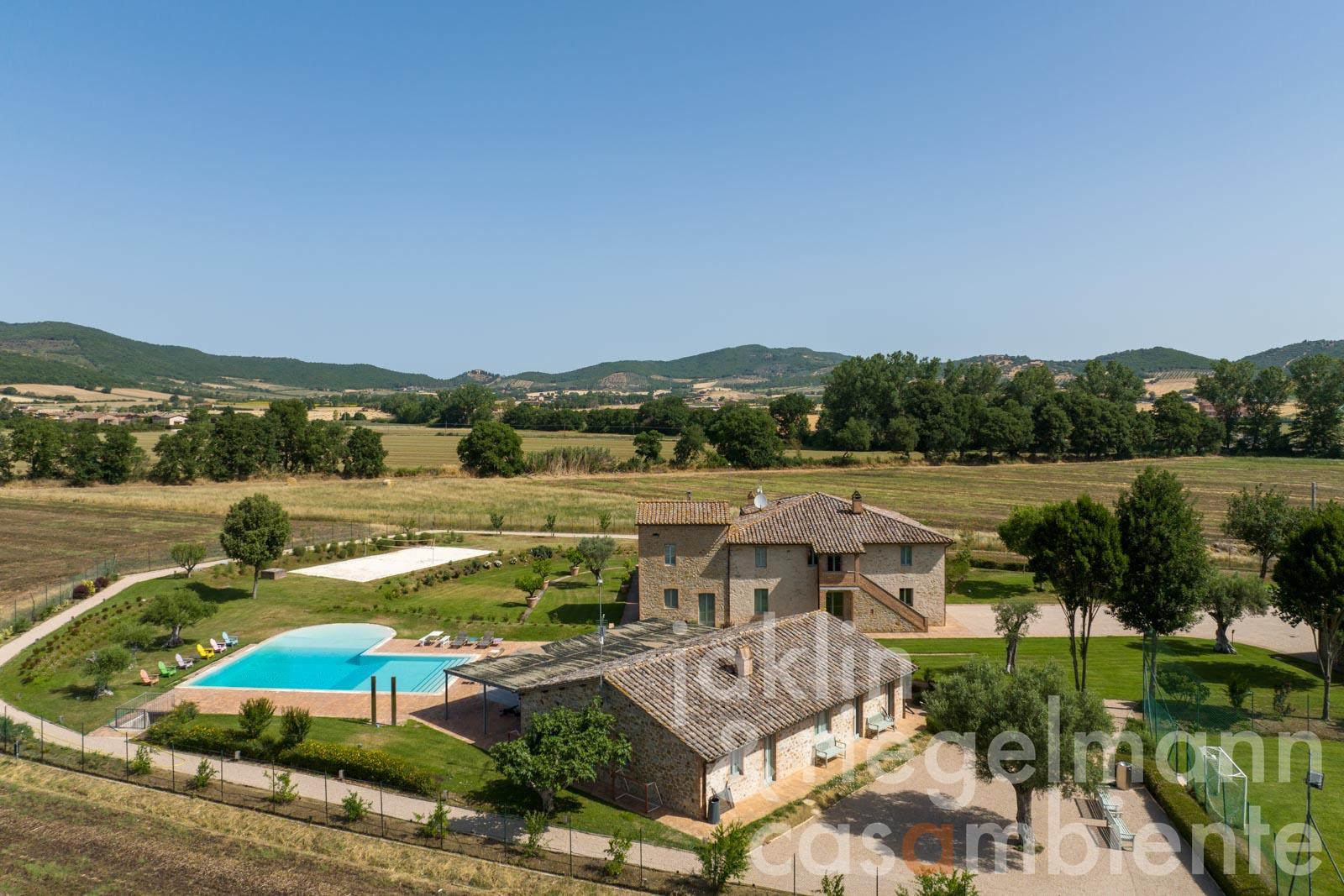 Luxury property with every imaginable comfort near Lake Trasimeno in Umbria