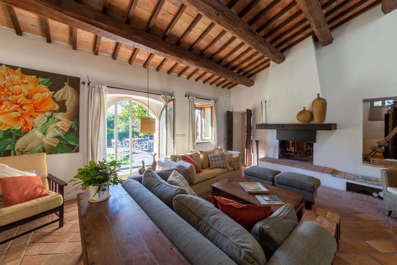 Ex mulino con 6 camere da letto, piscina e campo da tennis vicino a Todi in Umbria