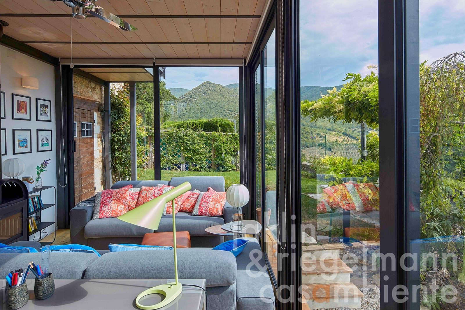 Casa indipendente con giardino, oliveto e piscina panoramica con vista sulla Valle Umbra