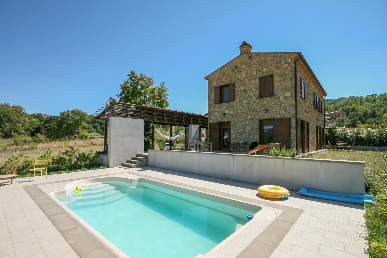 Restored rustico with pool near Montescudaio 15 km from the sea