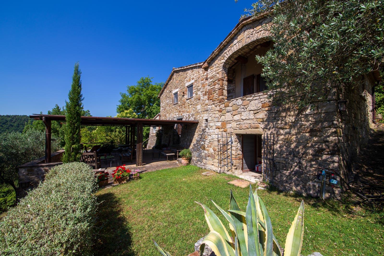 Splendida proprietà di campagna con vista romantica vicino a Todi in Umbria