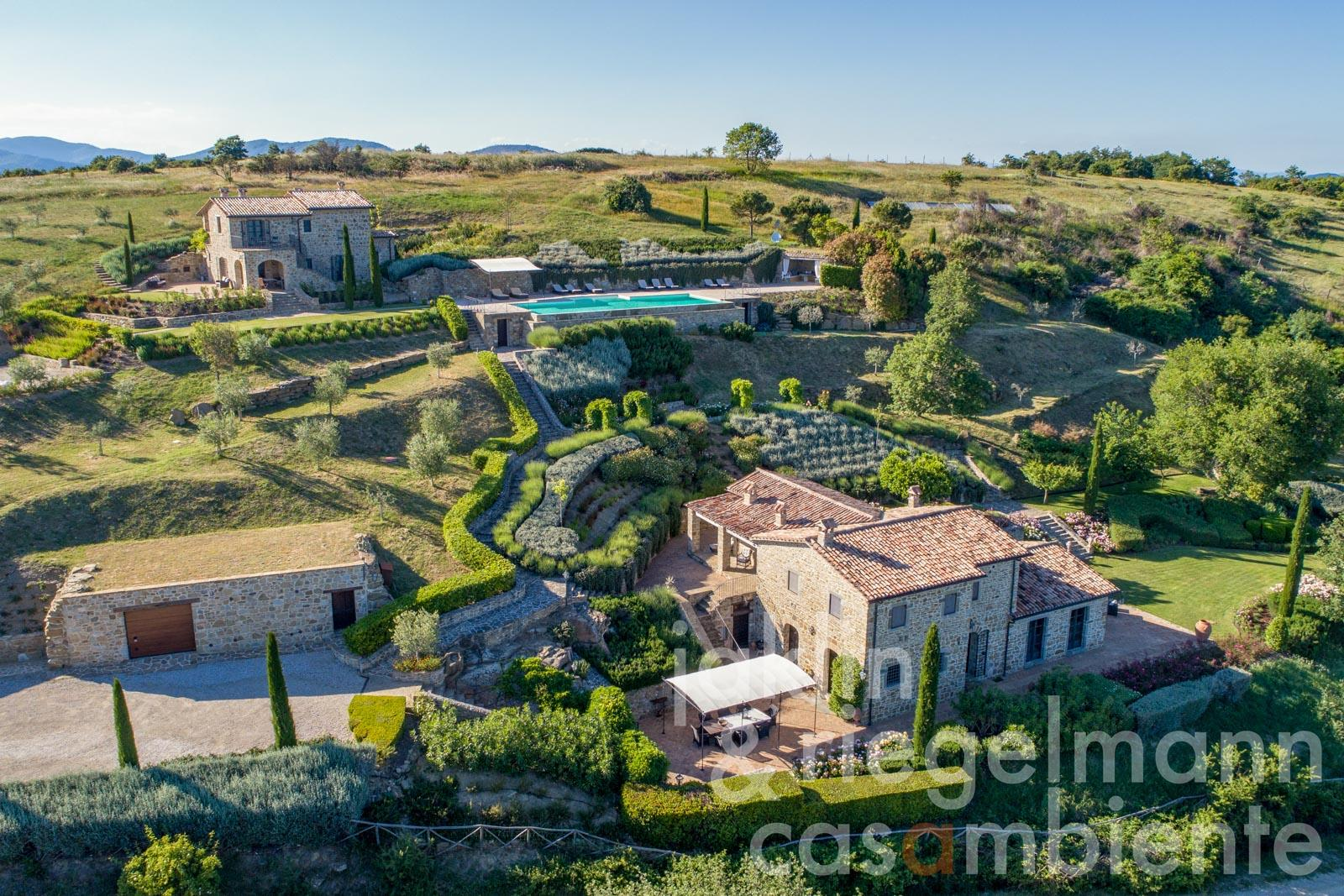 Very elegant and tasteful property overlooking Lake Trasimeno in Umbria