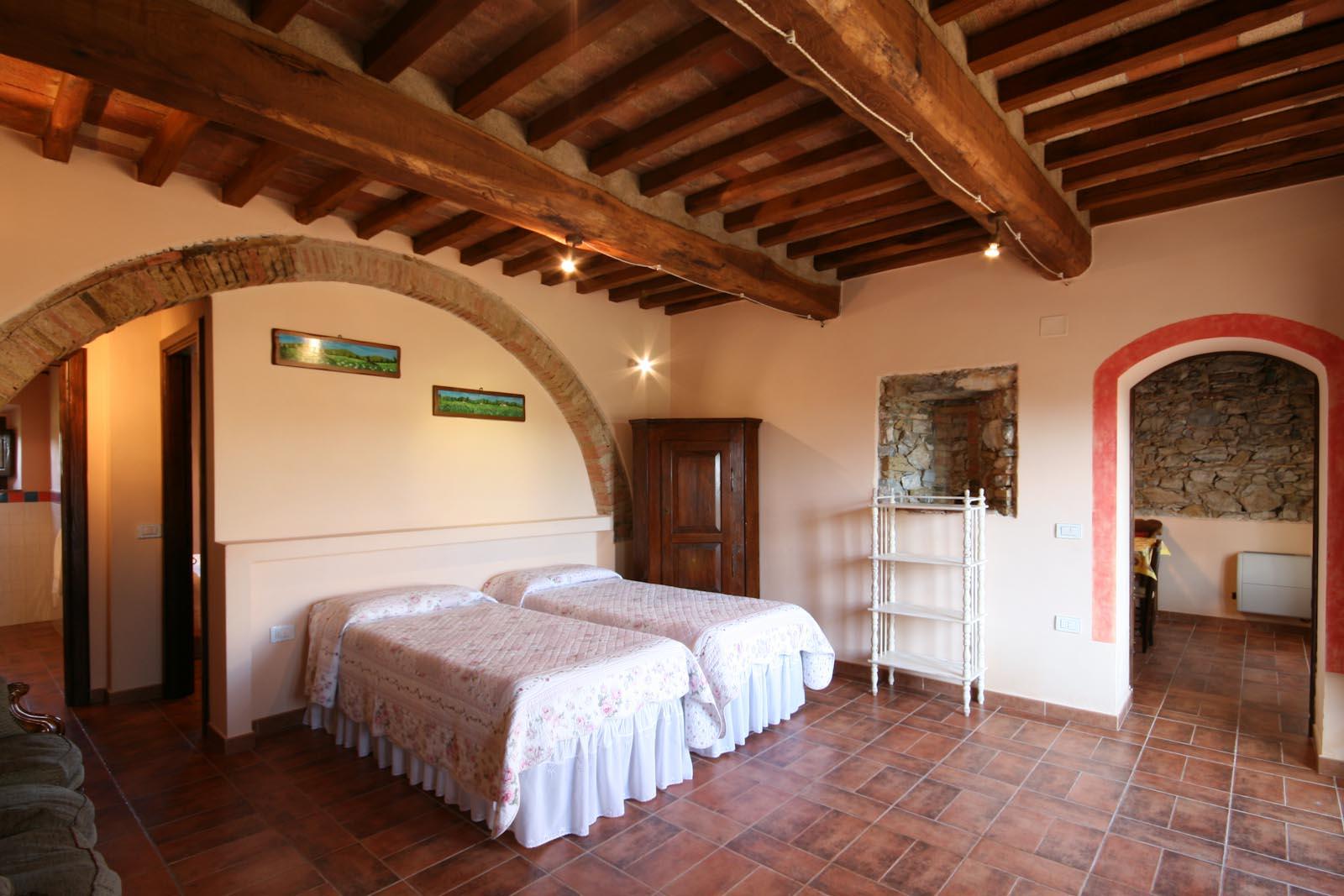 Residenza di campagna in vendita in italia toscana for Produttore di piano terra del punto vendita