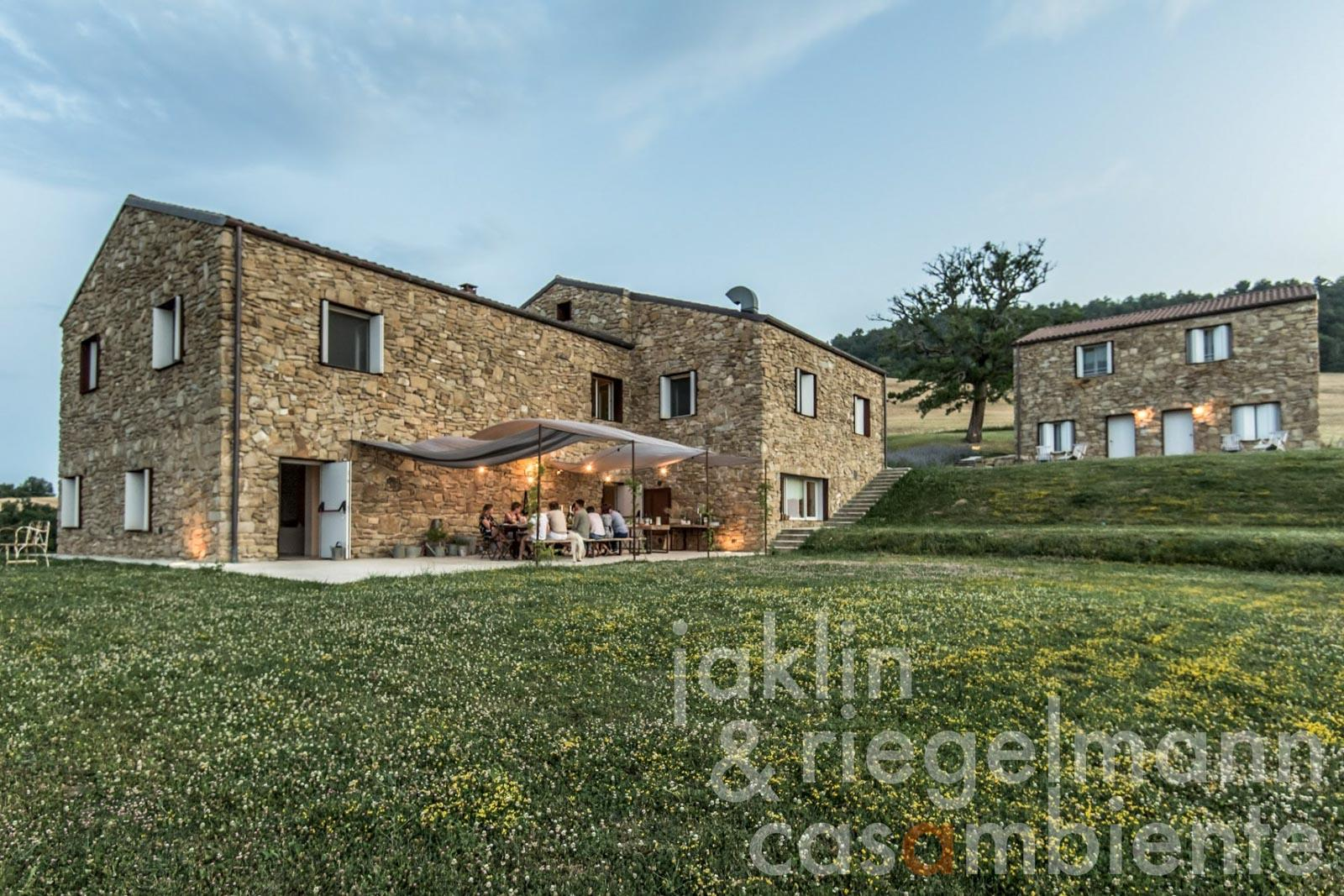 Small luxury boutique hotel with wellness area in the beautiful Marche hills