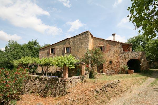 Case di campagna in vendita in italia toscana lombardia for Architettura della casa di campagna
