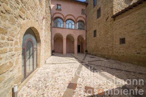 The fortress in Umbria for sale