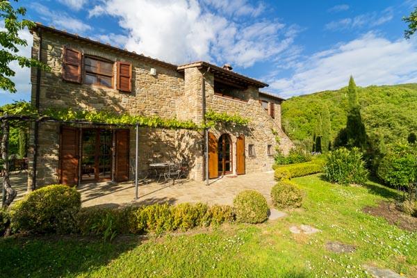 Das Landhaus mit der großen Terrasse mit schönem Weitblick