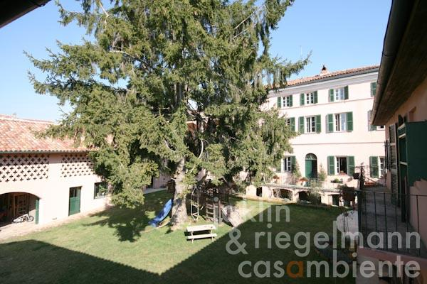 The antique manor for sale in Piedmont close to Alessandria and Asti