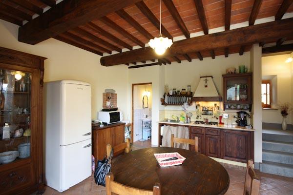 La cucina abitabile del secondo appartamento al piano terra
