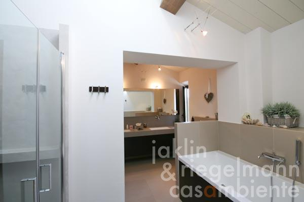 The en-suite bathroom on the first floor