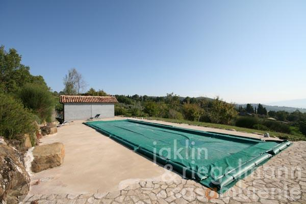 The pool with panoramic views onto the town Todi