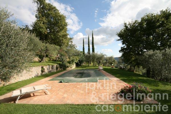 The swimming pool in the park with panoramic views across the Tuscan landscape