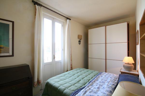 Una delle camere da letto al secondo piano