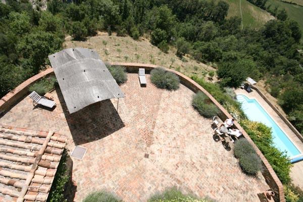La terrazza panoramica davanti alla torre