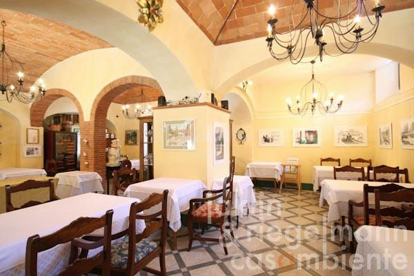 The restaurant inside the Villa Padronale
