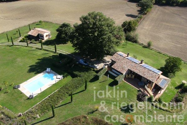 The authentically restored country estate for sale with guest house and pool in the triangle Tuscany, Umbria and Lazio