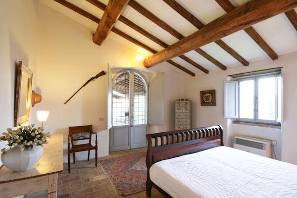 La camera da letto con bagno en-suite al piano terra