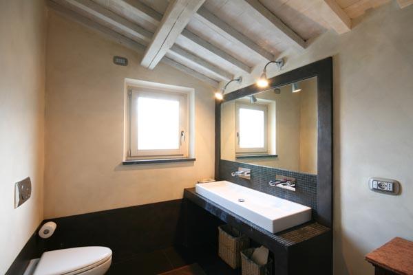Eines der en-suite Badezimmer im Obergeschoss