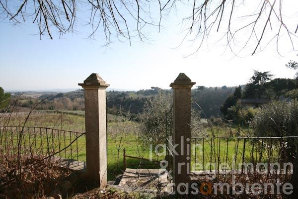 The view form the forecourt towards south across the Tuscan hills
