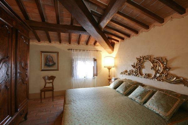 Una delle camere per gli ospiti al piano superiore del castello