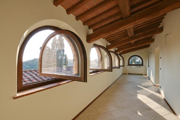Der Master-Bedroom mit Balkon im Obergeschoss