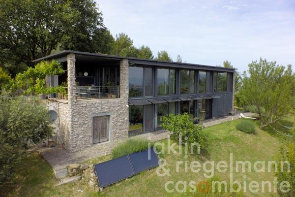 The design house for sale in dreamlike panoramic setting close to Perugia with views onto Assisi in Umbria