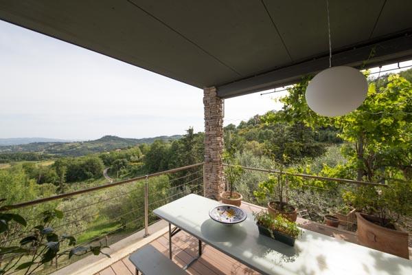 Die Terrasse im Obergeschoss