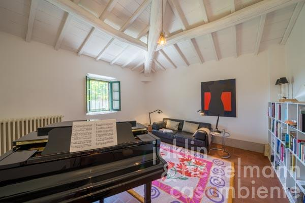 Eines der Schlafzimmer im Obergeschoss, das zurzeit als Musikzimmer genutzt wird