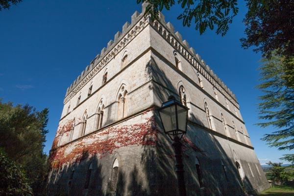 Il castello vicino a Siena
