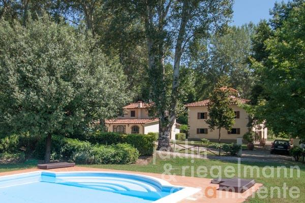 The Tuscan country estate for sale between Florence and Arezzo with annexe, pool and privacy