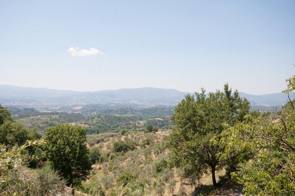 Der Weitblick nach Westen bis zu den Bergen des Chianti