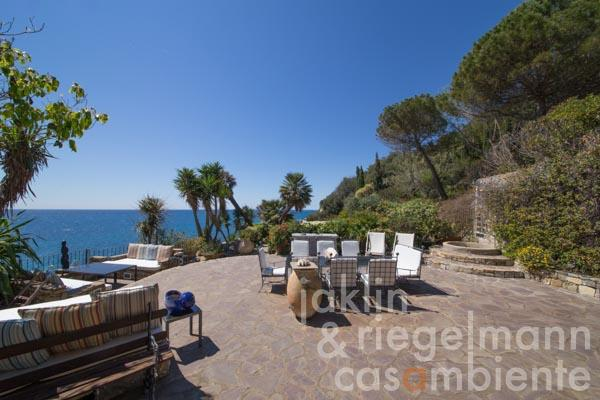 Unique property close to the sea on the Ligurian Riviera