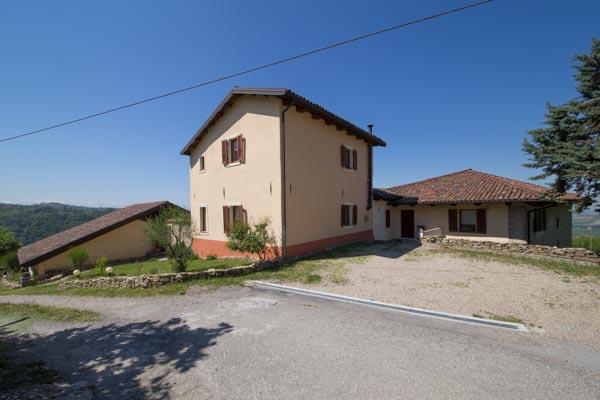 Bauernhaus-Rustico kaufen verkaufen in Italien, Piemont ...