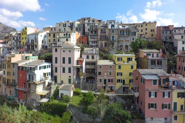 The town house for sale with terraces and sea view in Corniglia close to La Spezia