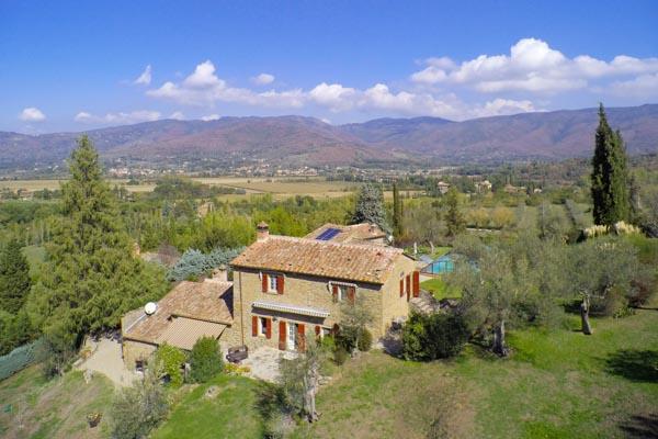 Hübsches Naturstein-Anwesen mit Pool an der toskanisch-umbrischen Grenze bei Cortona