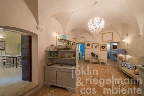 The ancient palazzo for sale with courtyard in the heart of the medieval town Trevi in Umbria
